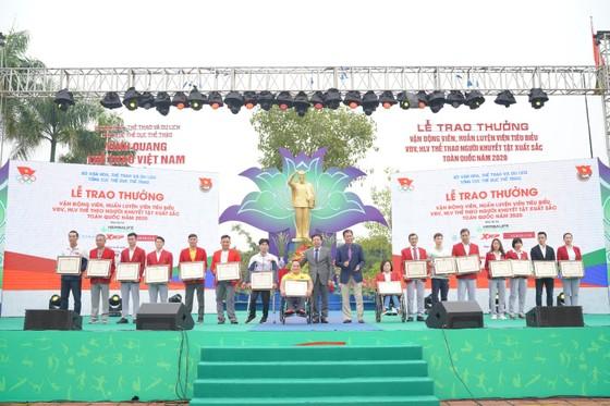 Herbalife Việt Nam đồng hành cùng Tổng Cục TDTT vinh danh VĐV, HLV tiêu biểu 2020 và tổ chức Ngày chạy Olympic vì sức khỏe toàn dân ảnh 3