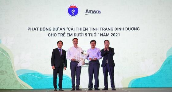 Amway Việt Nam lần thứ 2 đón nhận Bằng khen của Bộ Y tế  ảnh 1