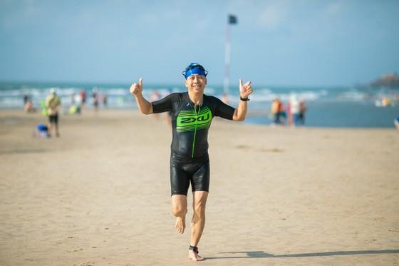 Mercedes-Benz Việt Nam tiên phong đồng hành Triathlon Việt Nam ảnh 2