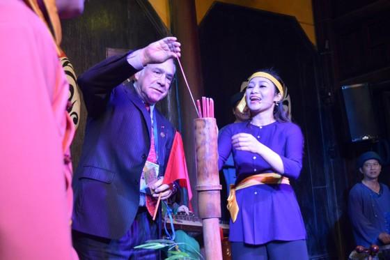 Các Bộ trưởng APEC tham quan phố cổ Hội An ảnh 11