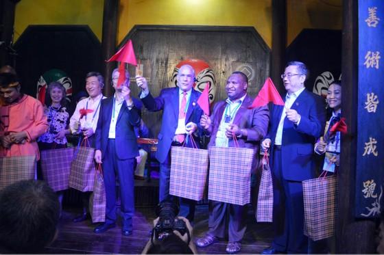 Các Bộ trưởng APEC tham quan phố cổ Hội An ảnh 12
