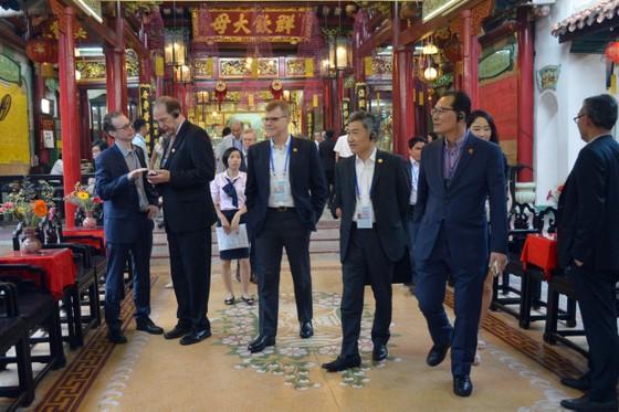Các Bộ trưởng APEC tham quan phố cổ Hội An ảnh 4