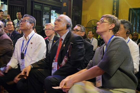 Các Bộ trưởng APEC tham quan phố cổ Hội An ảnh 9