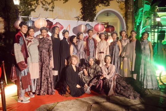 Biểu diễn thời trang mừng APEC 2017 ảnh 10