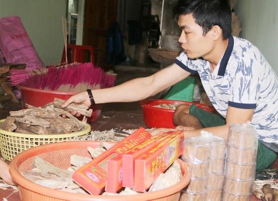 Làng nghề Quảng Nam rộn ràng đón tết ảnh 12