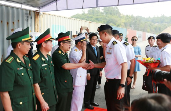 Tàu khu trục của Hải quân Singapore thăm Đà Nẵng ảnh 2