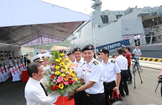 Tàu khu trục của Hải quân Singapore thăm Đà Nẵng ảnh 1