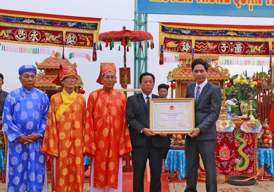 Đà Nẵng trao bằng chứng nhận Di sản Văn hóa phi vật thể quốc gia cho Lễ hội Cầu ngư  ảnh 1