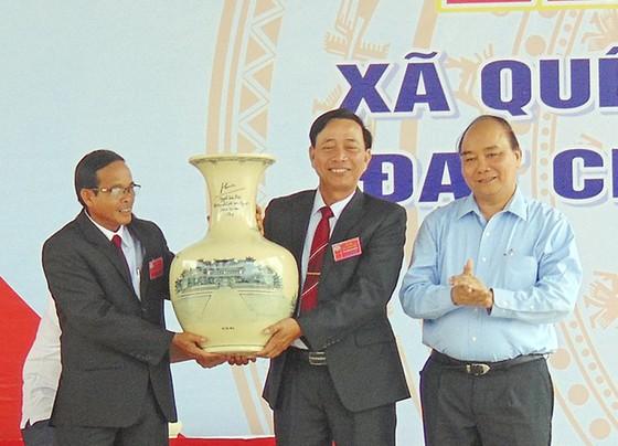 Thủ tướng Nguyễn Xuân Phúc dự Lễ công nhận xã Quế Phú đạt chuẩn nông thôn mới ảnh 3