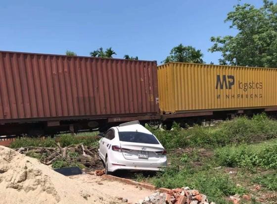 Tuyến đường sắt qua địa bàn Quảng Nam đã lưu thông trở lại sau vụ tai nạn  ảnh 1