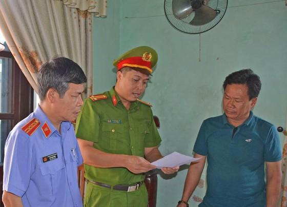 Gây thiệt hại hơn 4 tỷ đồng, 3 cán bộ ở Quảng Nam bị bắt giam ảnh 1
