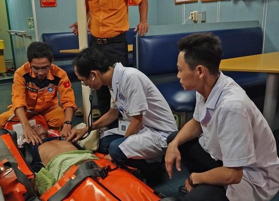 Cứu thuyền viên bị tai biến mạch máu não tại vùng biển quần đảo Hoàng Sa ảnh 1