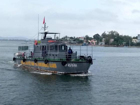 Một ngư dân mất tích trên biển Cửa Đại ảnh 1