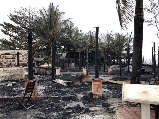 Cháy lớn tại biển An Bàng, Hội An ảnh 2