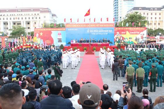Lễ giao nhận quân miền Trung: 'Trang trọng, an toàn và tiết kiệm' ảnh 1
