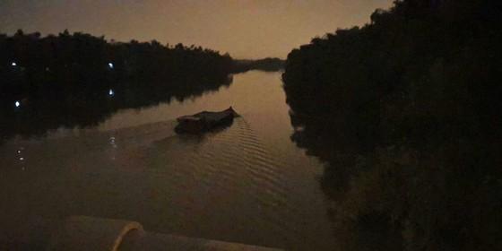 'Cát tặc' vẫn lộng hành trên sông Vu Gia – Thu Bồn ảnh 3