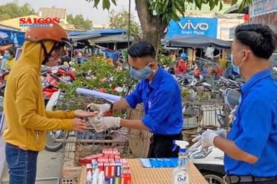 """Quảng Nam thí điểm chương trình """"Đổi rác thải nhựa lấy sản phẩm phòng chống dịch Covid-19"""" ảnh 2"""