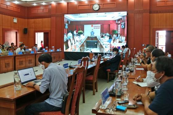Quảng Nam họp về tình hình mua sắm hệ thống máy xét nghiệm ảnh 1