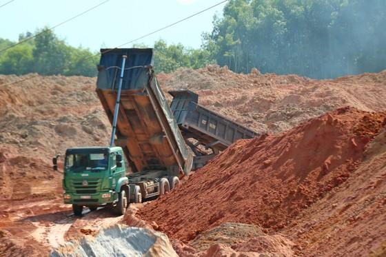 Cần chấn chỉnh hoạt động khai thác khoáng sản tại Núi Dàng ảnh 5