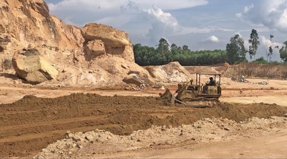 Cần chấn chỉnh hoạt động khai thác khoáng sản tại Núi Dàng ảnh 1