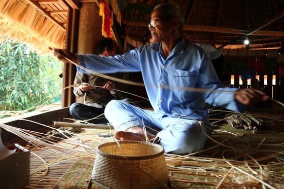 Bảo tồn và phát triển nghề đan lát của người Cơ Tu ảnh 5