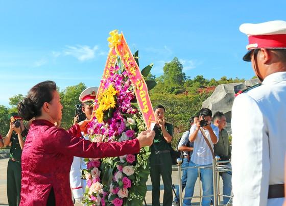 Chủ tịch Quốc hội trao Bằng Tổ quốc ghi công tới 73 thân nhân liệt sĩ tại Quảng Nam ảnh 5