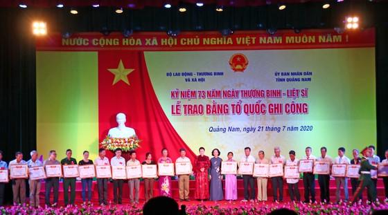 Chủ tịch Quốc hội trao Bằng Tổ quốc ghi công tới 73 thân nhân liệt sĩ tại Quảng Nam ảnh 1