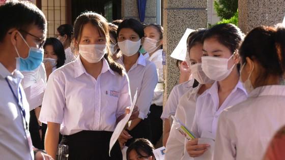 Quảng Nam lên phương án hỗ trợ 4 tháng học phí cho học sinh ảnh 1