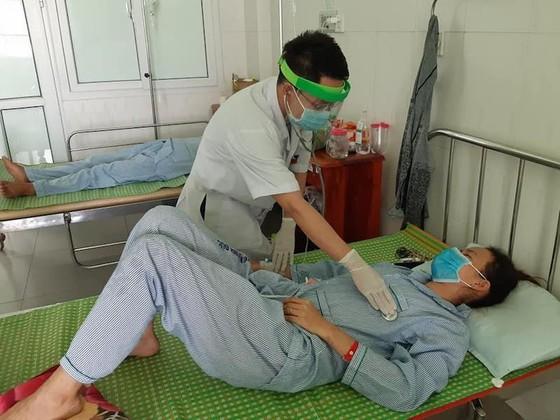 Sức khỏe 3 bệnh nhân bị nhiễm khuẩn do ăn pate Minh Chay ở Quảng Nam đã ổn định ảnh 1