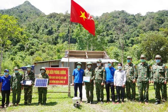 Ấm áp chương trình 'Kết nối trái tim - Hướng về biên giới' ở Quảng Nam ảnh 1