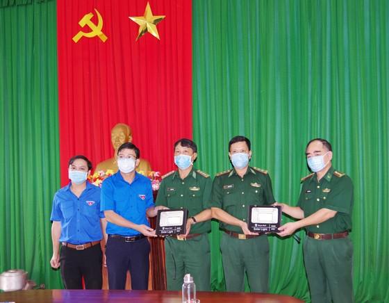 Ấm áp chương trình 'Kết nối trái tim - Hướng về biên giới' ở Quảng Nam ảnh 3