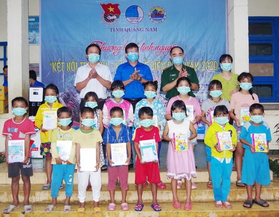 Ấm áp chương trình 'Kết nối trái tim - Hướng về biên giới' ở Quảng Nam ảnh 6
