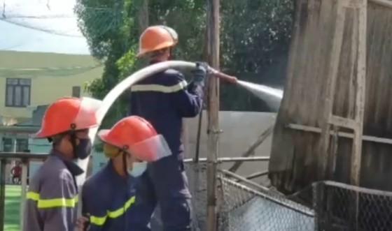 Quảng Nam: Cháy lớn tại kho hải sản ảnh 2