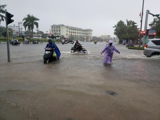 Quảng Nam lo sạt lở, Quảng Trị di dời khẩn hàng ngàn dân ảnh 5