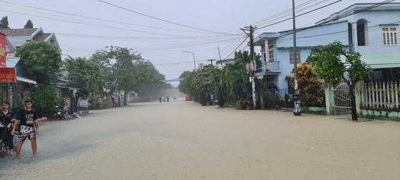 Quảng Nam di dời dân đến nơi an toàn trước 18 giờ ngày 10-10 ảnh 2