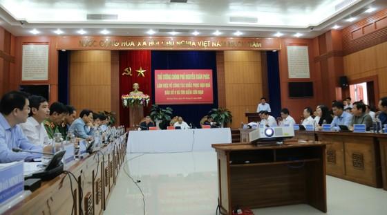 Quân khu 5 sẽ chăm lo cho trẻ xã Trà Leng bị mất cha mất mẹ do sạt lở ảnh 1