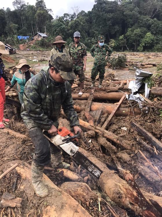 Tạm dừng tìm kiếm người mất tích tại xã Phước Lộc để phòng tránh bão số 10 ảnh 1