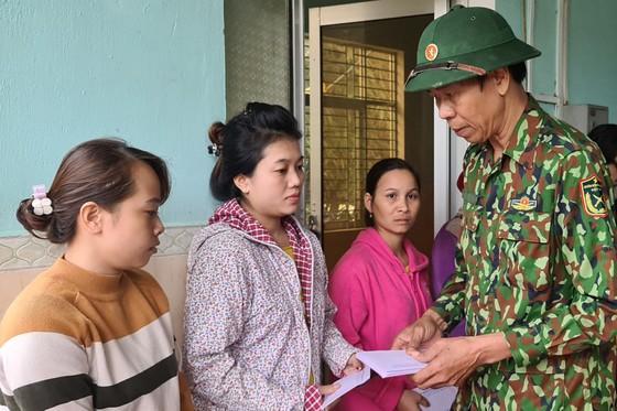 Huyện Phước Sơn thăm người dân xã Phước Thành (Quảng Nam) ảnh 3