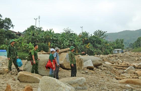 Huyện Phước Sơn thăm người dân xã Phước Thành (Quảng Nam) ảnh 1