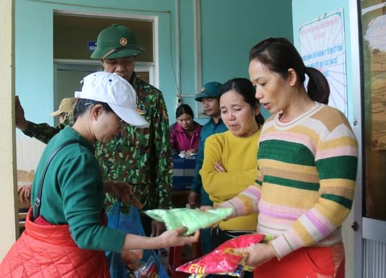 Huyện Phước Sơn thăm người dân xã Phước Thành (Quảng Nam) ảnh 2