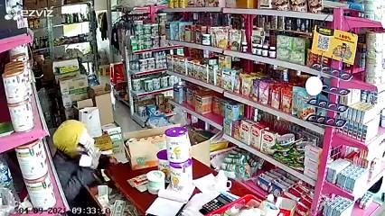 Điều tra vụ 3 người nghi dàn cảnh mua hàng để trộm tiền tại Tiền Giang ảnh 1