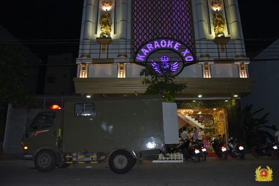 Bắt quả tang 22 nam nữ dương tính với ma túy ở cơ sở kinh doanh karaoke tại Tiền Giang ảnh 1