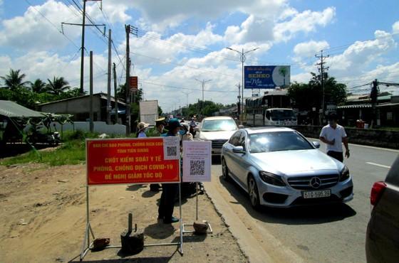 Tiền Giang: người dân không ra đường từ 18 giờ đến 6 giờ sáng hôm sau ảnh 1