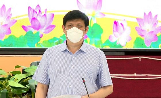 Bộ trưởng Bộ Y tế kiểm tra phòng chống dịch Covid-19 tại Long An ảnh 1