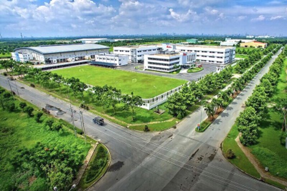 Long An trao quyết định thành lập khu công nghiệp Nam Tân Tập ảnh 1