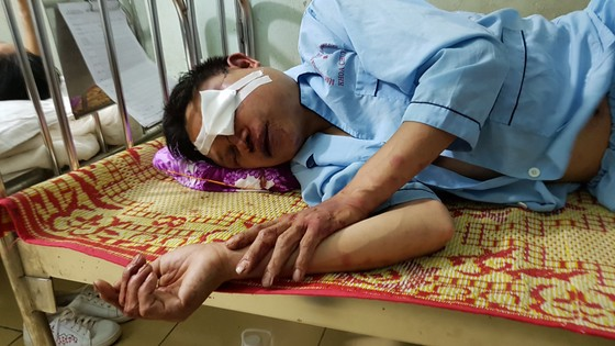 Khai phun thuốc diệt muỗi nhưng bị đánh vì nghi bắt cóc trẻ em ảnh 1