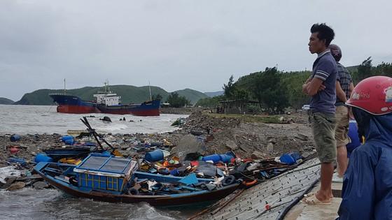 Quảng Bình: Hàng chục tàu chìm trong vịnh Hòn La ảnh 4