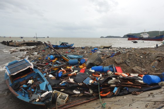 Quảng Bình: Tàu cá chìm vì cưỡng chế cảng lậu không triệt để? ảnh 1