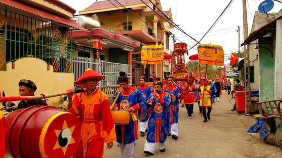 Lễ hội cầu ngư và xuất quân đánh cá tại làng biển Cảnh Dương ảnh 3