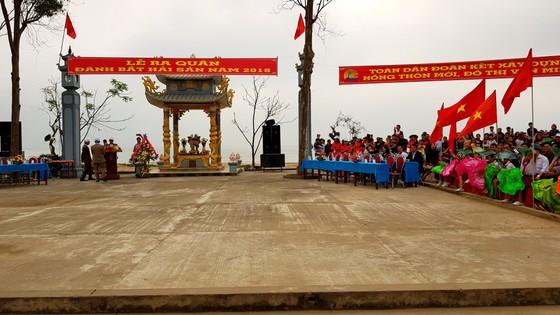 Lễ hội cầu ngư và xuất quân đánh cá tại làng biển Cảnh Dương ảnh 11